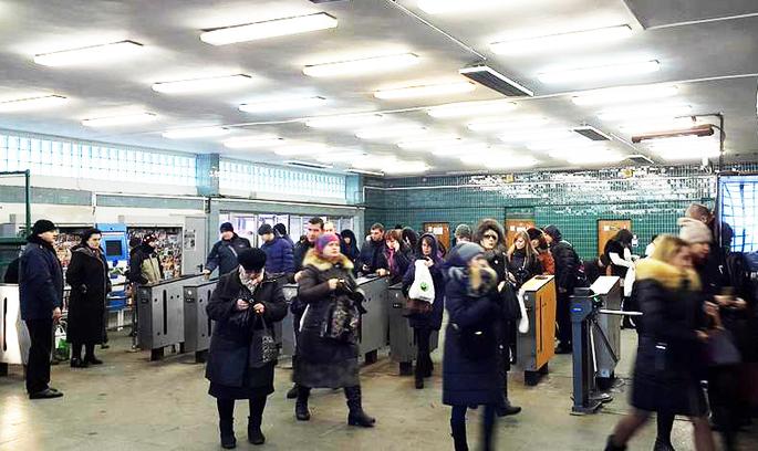 За вхід у київське метро тепер можна заплатити з телефону