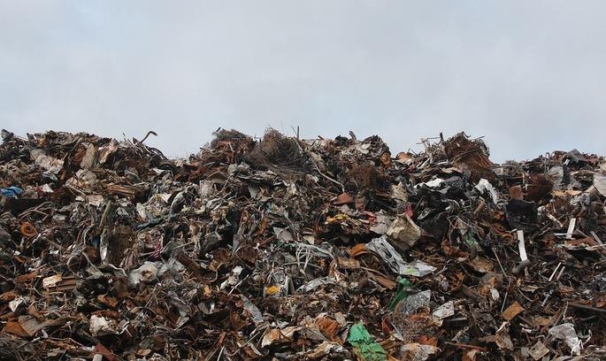Львівське сміття вкриває Україну