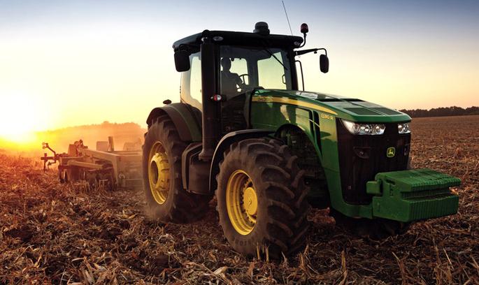 Українці розробили програму, яка зламує трактори John Deere
