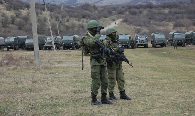 У Криму відкрили курортний сезон: Росія проводить там масштабні навчання з бойовою стрільбою