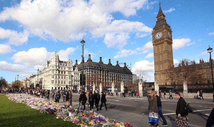 Стрілянина біля стін Британського парламенту: є загиблі й поранені