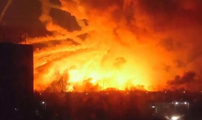 Диверсія або недбалість: розглядаються різні версії причин вибухів арсеналів у Балаклії
