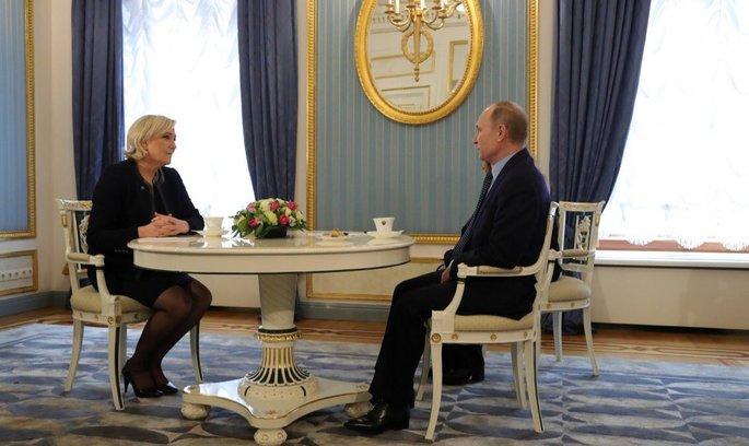 Ле Пен приїхала до Росії для зустрічі з Путіним