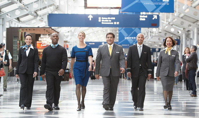 Ніяких леггінсів: найбільша авіакомпанія світу закликає дотримуватися дрес-коду