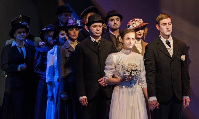Доросла вистава у дитячому театрі: чому слід подивитися «Наше містечко» у Театрі на Липках