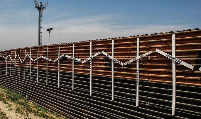 Конгрес США виділить перший мільярд на будівництво стіни