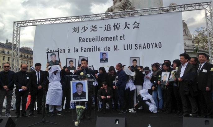 У Парижі китайська громада влаштувала погроми