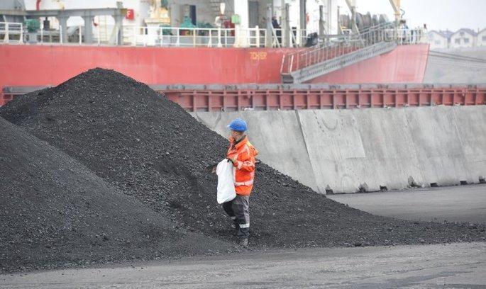 Ще більше вугілля: навіщо держава реконструює термінал у порту «Южний»
