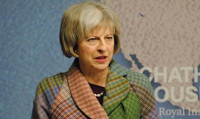 Мости спалено: Тереза Мей офіційно запустила Brexit