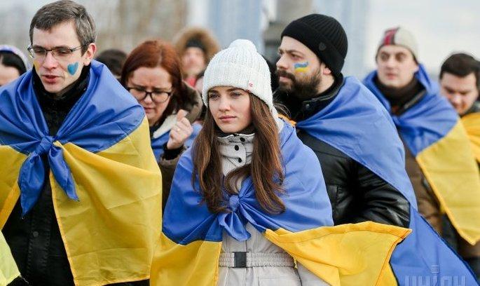 Роздоріжжя цивілізацій: як Україні будувати відносини між владою та власністю