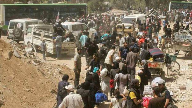 В Сирії проходить масова евакуація з оточених міст