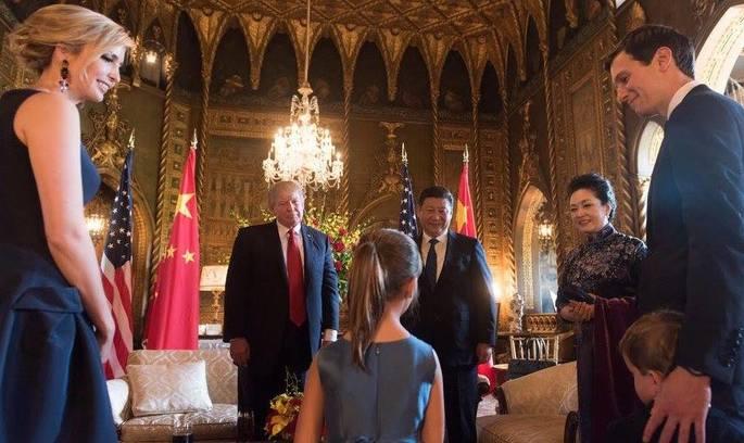 Іванка Трамп продаватиме сумки та прикраси в Китаї