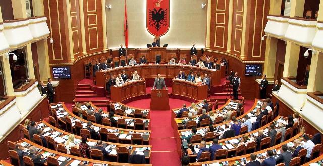 Ніхто не хоче бути президентом Албанії
