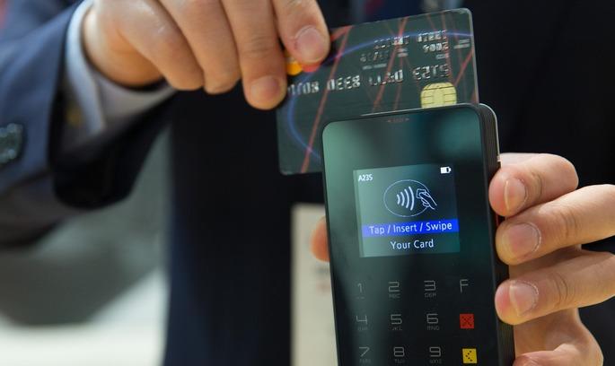 Нові карти Mastercard працюють через відбитки пальців