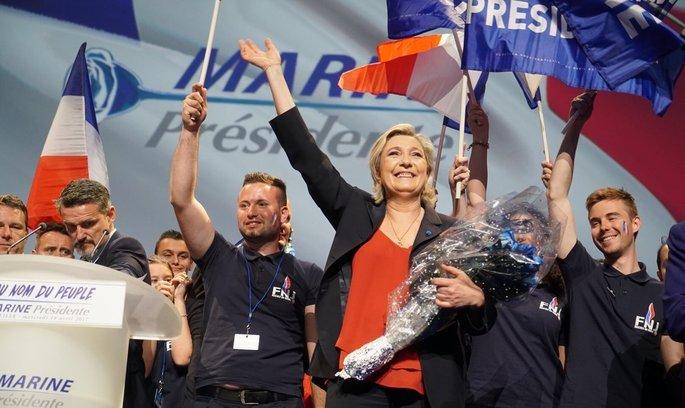 З Ле Пен можуть зняти депутатську недоторканність