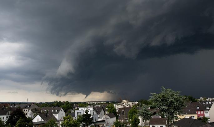 На Техас обрушилися кілька торнадо