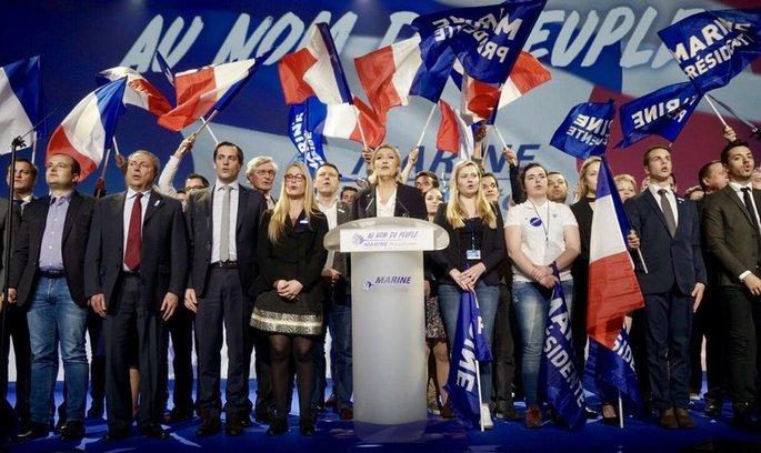 Не вкрала, а позичила: Ле Пен звинувачують у плагіаті чужої промови (ВІДЕО)