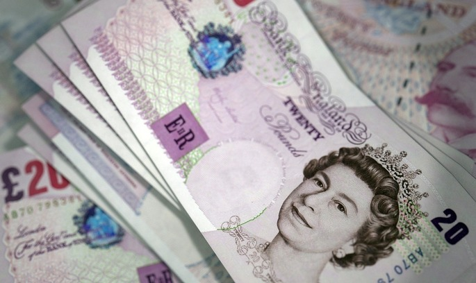 Заяви Терези Мей спричинили падіння національної валюти