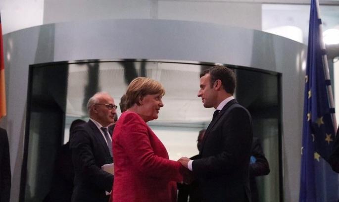 Макрон зустрівся з Меркель: курс на відродження Європи
