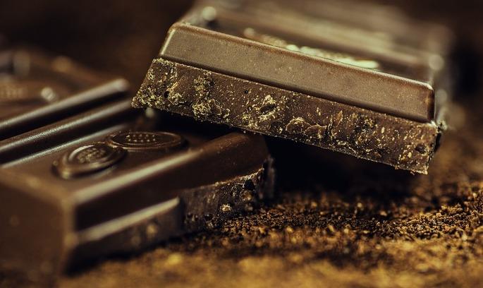 Україна ввела мито на шоколад з Росії