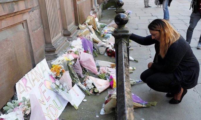 Тереза Мей: поліція знає, хто скоїв теракт у Манчестері
