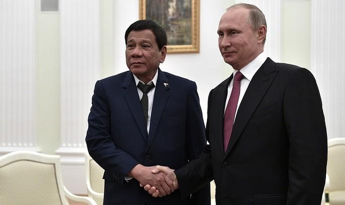 Президент Філіппін приїхав до Москви просити в Путіна зброю