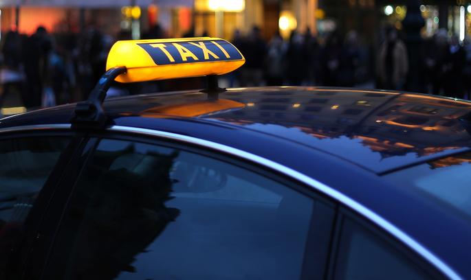 Головний конкурент Uber пропонує поїздки на розкішних таксі