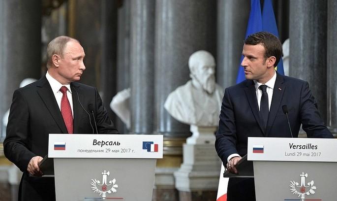 Макрон та Путін: про що говорили президенти
