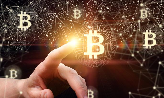 Огляд криптовалют: біткоін поступово відіграє попередню корекцію