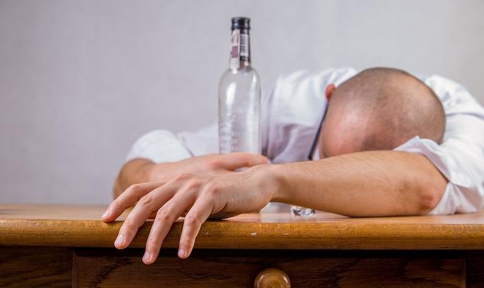 Суд скасував заборону реалізації алкогольних напоїв на території Києва у нічний час