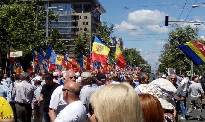 У Молдові громадськість мітингує проти змішаної системи виборів