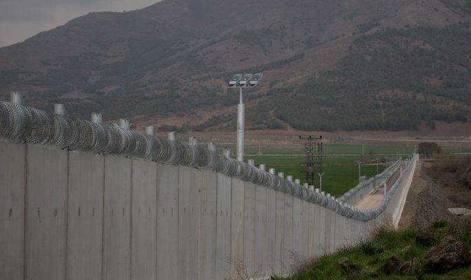 Туреччина відгороджується стіною від Сирії