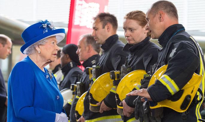Кількість жертв лондонської пожежі в багатоповерхівці зросла до 30 осіб