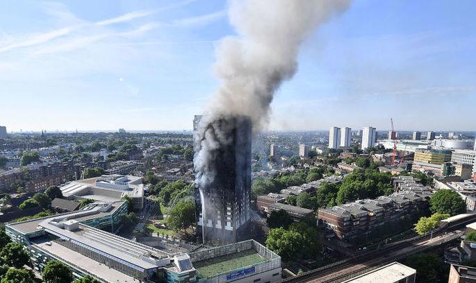 The Guardian: пожежа у Grenfell Tower стане «надгробним каменем» на політичній кар'єрі Терези Мей