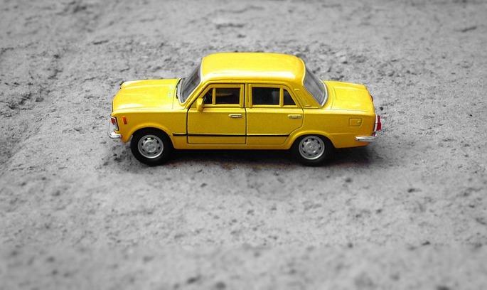 На український ринок повертається російський автопром