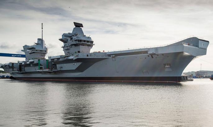 Найбільший військовий авіаносець Королівського флоту вирушає у відкрите море