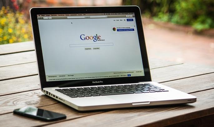 Google сплатить найбільший в історії штраф за спотворення результатів пошуку на свою користь