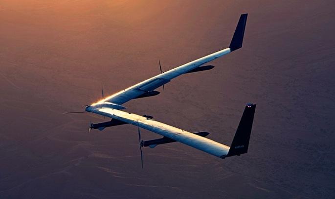 Facebook випробував гігантський дрон, який роздаватиме інтернет у глухих місцях планети (ВІДЕО)