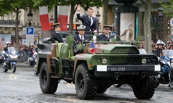 У Франції поліція попередила замах на президента Макрона