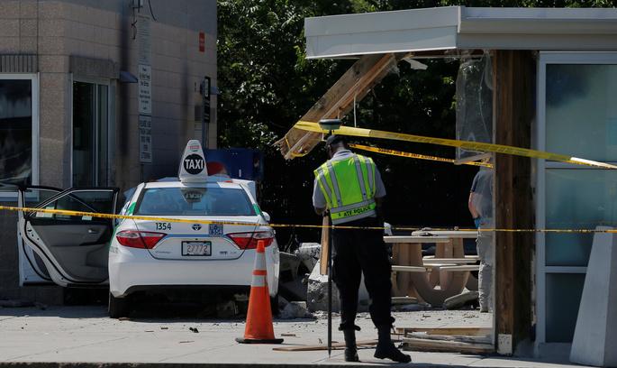 У Бостоні авто протаранило натовп пішоходів, є поранені