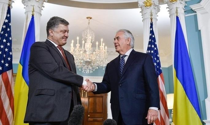У Порошенка підтвердили, що держсекретар США їде в Україну