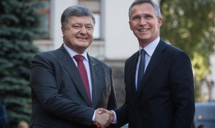 Порошенко та Столтенберг провели засідання Україна-НАТО