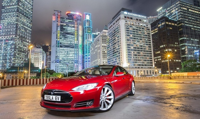 У Гонконгу продажі автомобілів Tesla впали до нуля через політику уряду