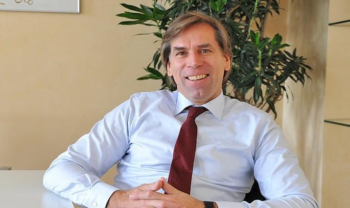 Німецький банкір Мюллер-Ханке братиме участь в конкурсі на посаду голови правління Приватбанку