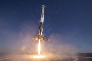 Скільки економить Space X на повторних запусках ракет