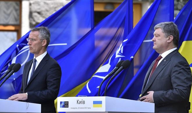 У Кремлі прокоментували курс України на зближення з НАТО
