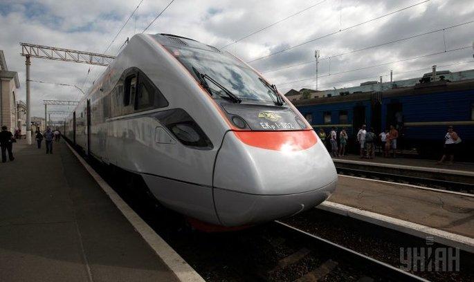 «Укрзалізниця» планує з'єднати швидкісним рухом Вінницьку, Хмельницьку та Тернопільську області з Польщею