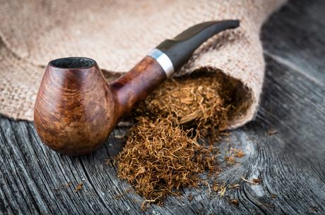 «Сих дел мастера»: як формувалася київська тютюнова контрабанда