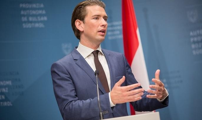 Австрія вимагає від Італії припинити впускати біженців у Європу