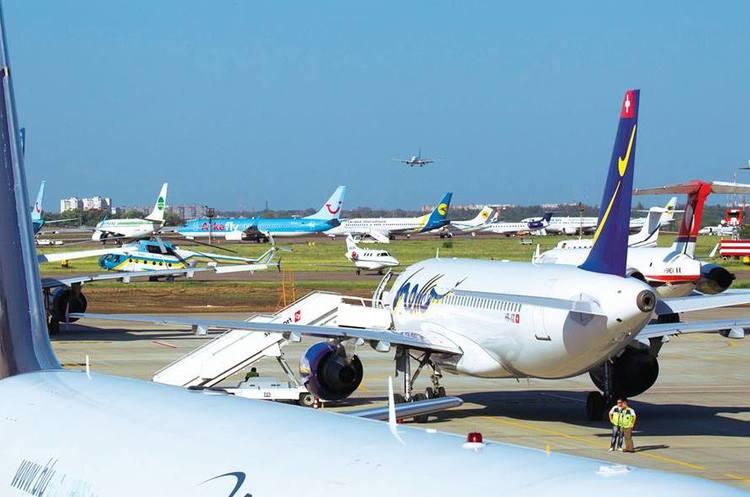 В якому стані українські аеропорти